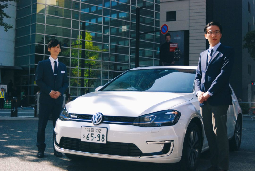 """▼環境に配慮した100%電気自動車である""""e-Golf"""""""